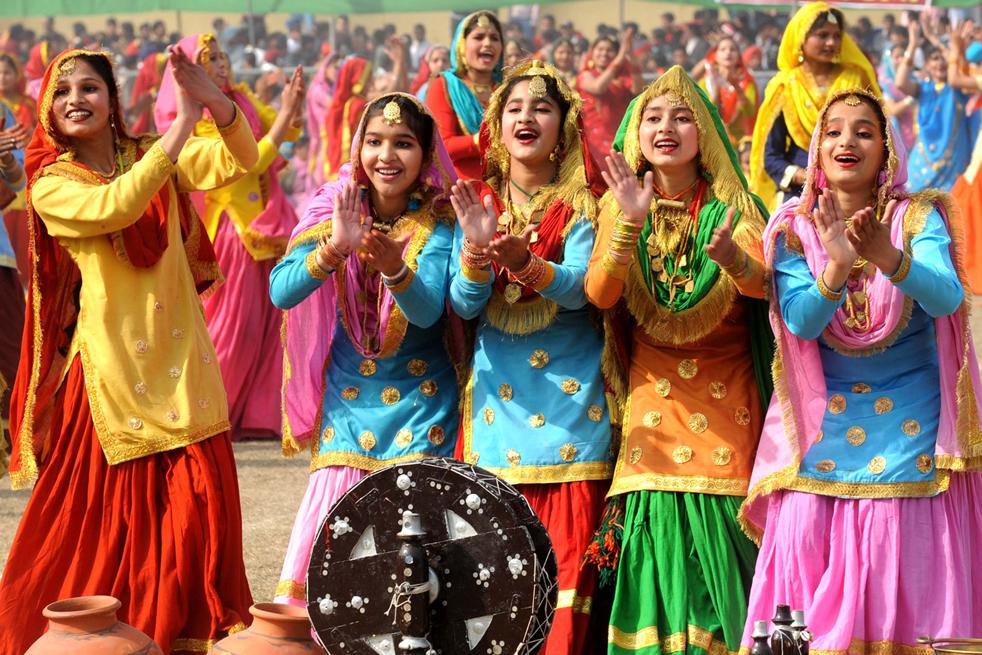 10 Greatest Punjabi Folk Songs Hummed By Every Punjabi
