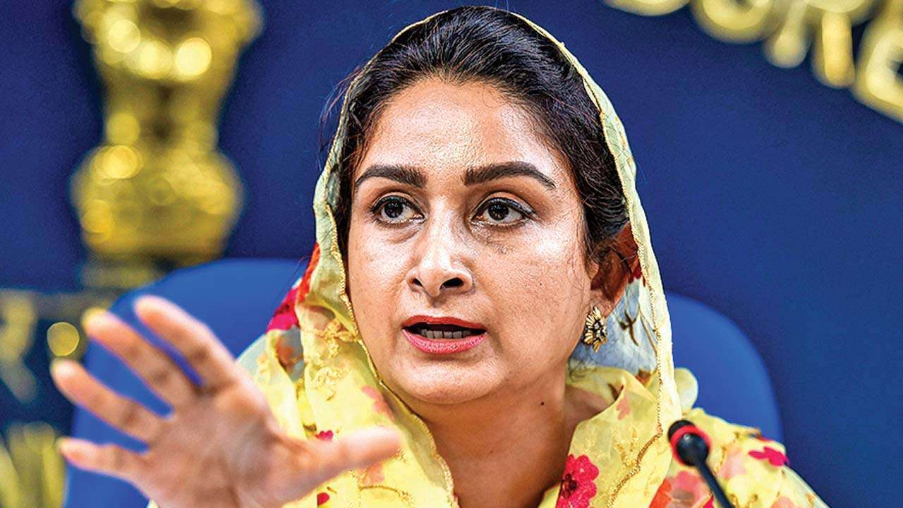 President accepts Harsimrat's resignation; Tomar gets additional charge of her ministry
