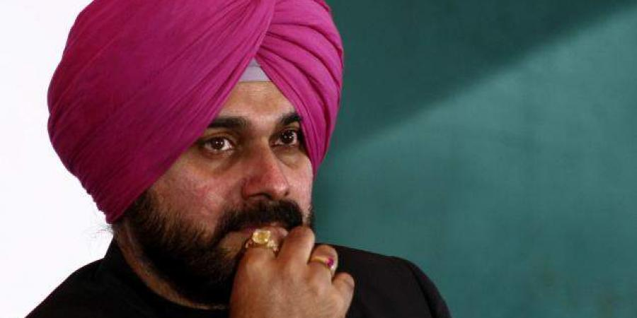 Navjot Sidhu reaches his ancestral village; asks farmers to elect MLAs from themselves