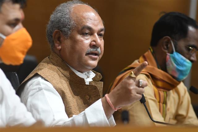 Day before 'Bharat bandh', Tomar slams 'Cong lies', assures farmers on 3 agri-legislations