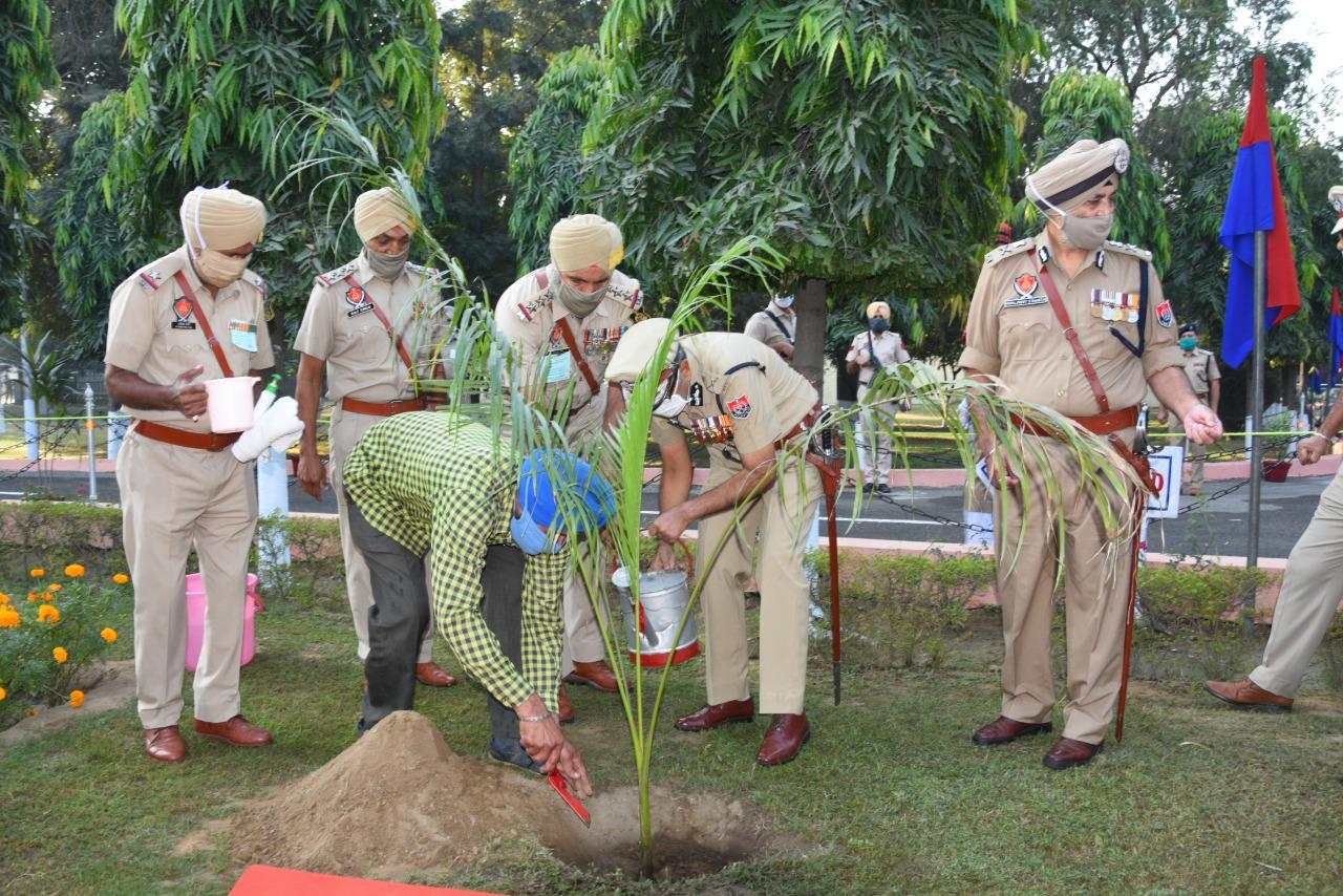 Punjab DGP presides over state level function to mark 61st police commemoration Day