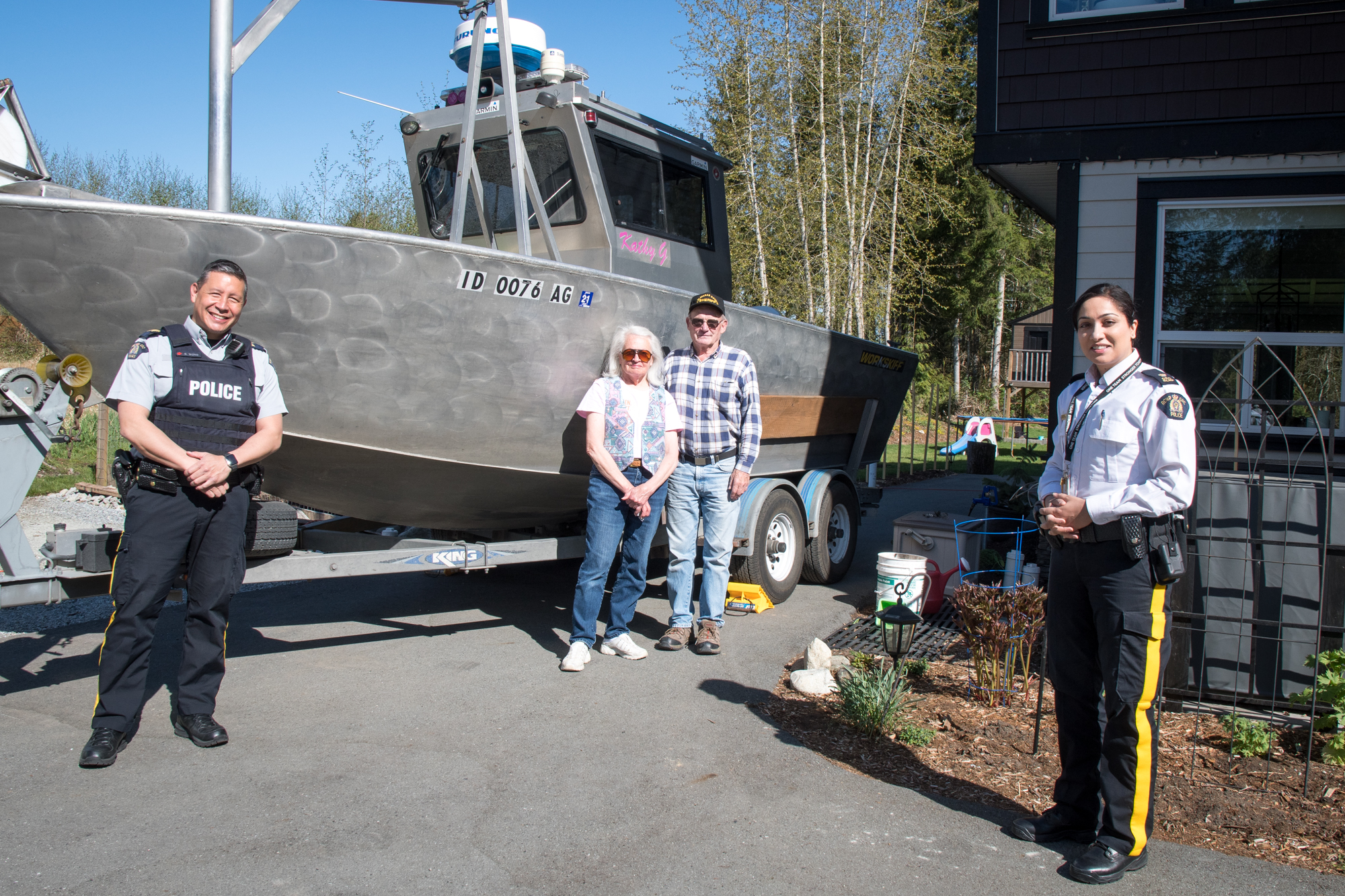 Volunteer couple from Idaho assists RCMP locate body in Alouette Lake