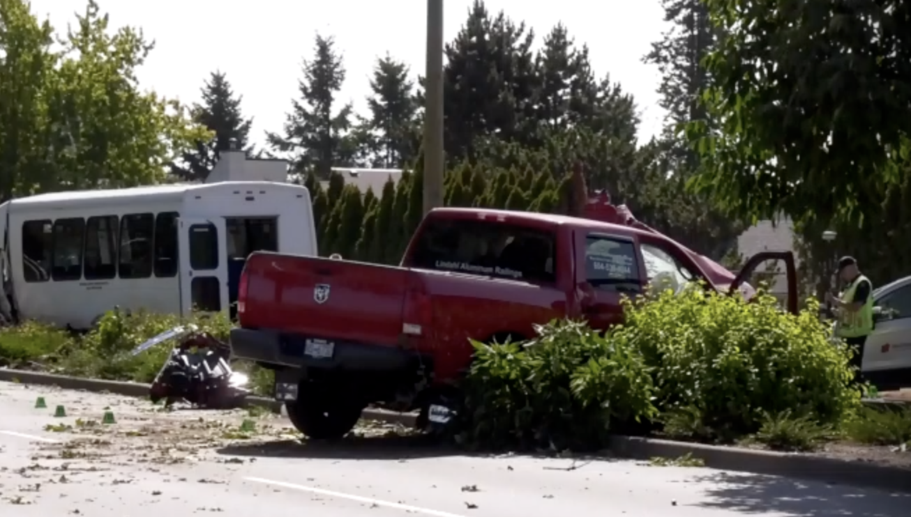 Abbotsford: Truck driver seriously injured after hitting transport van