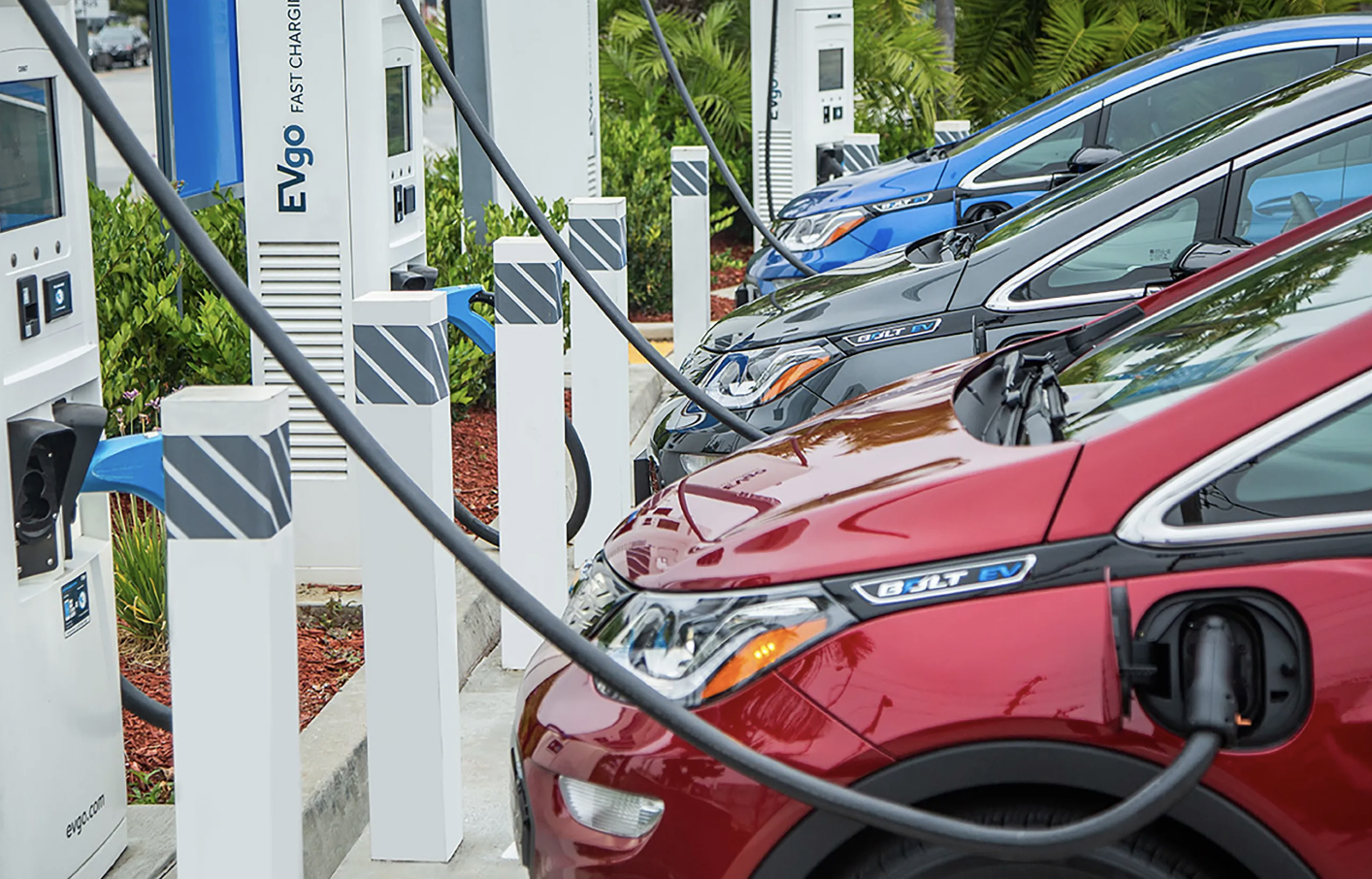 New Electric Vehicle Chargers and Hydrogen Fuelling Stations Coming to British Columbia